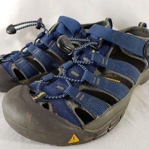 Keen Sandals Hiking Waterproof Shoe Size 5